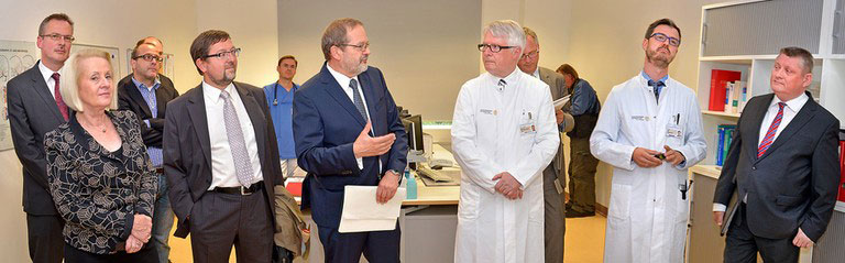 The Federal Minister of Health visits SOS-NET